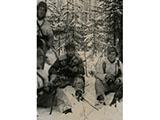 Suomalaisia sotilaita talvella metsässä