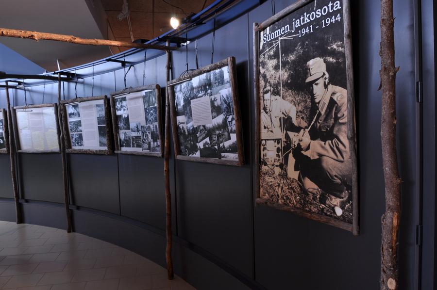 Jatkosodan kuvia -näyttely